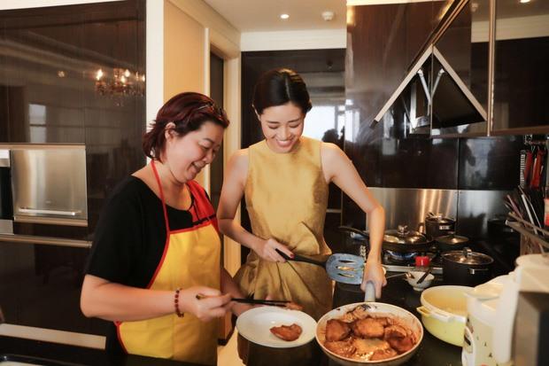 Khám phá cuộc sống của Hoa hậu Hoàn vũ Khánh Vân trong căn hộ cao cấp-7