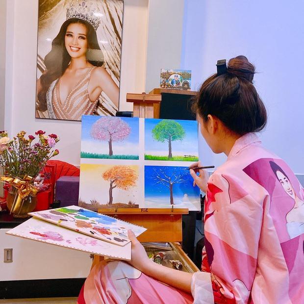 Khám phá cuộc sống của Hoa hậu Hoàn vũ Khánh Vân trong căn hộ cao cấp-9