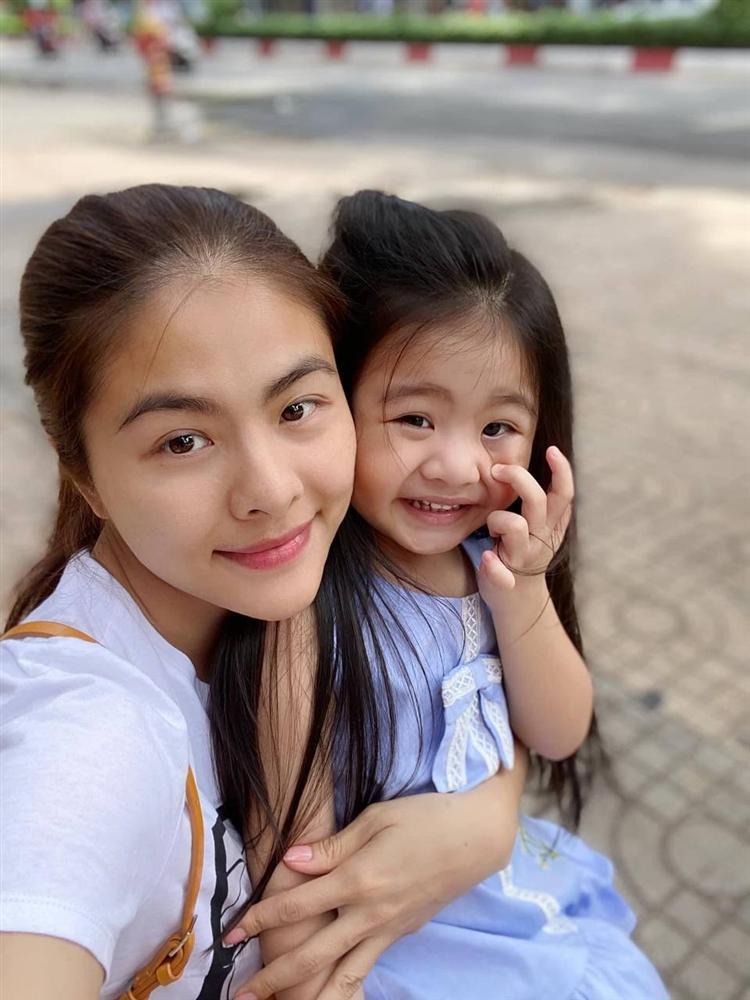 Con gái Vân Trang mới 5 tuổi đã được khen cao ráo, ra dáng mỹ nhân tương lai, ít người biết cô đã hy sinh điều to lớn này cho bé-2