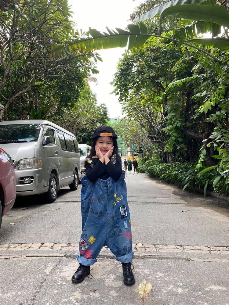 Con gái Vân Trang mới 5 tuổi đã được khen cao ráo, ra dáng mỹ nhân tương lai, ít người biết cô đã hy sinh điều to lớn này cho bé-4