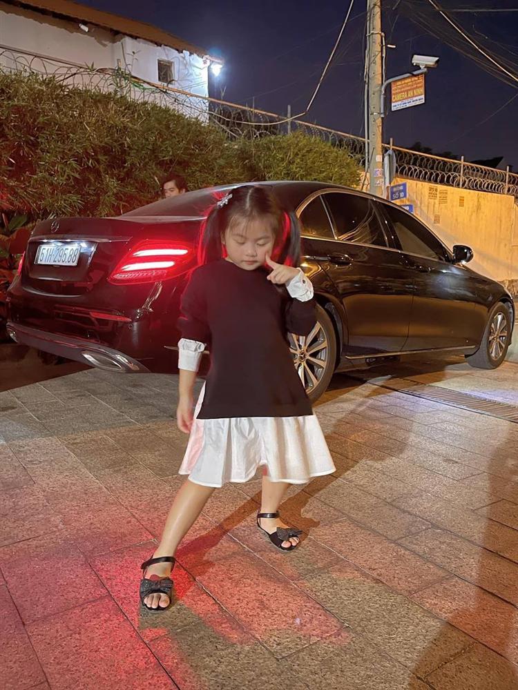Con gái Vân Trang mới 5 tuổi đã được khen cao ráo, ra dáng mỹ nhân tương lai, ít người biết cô đã hy sinh điều to lớn này cho bé-5