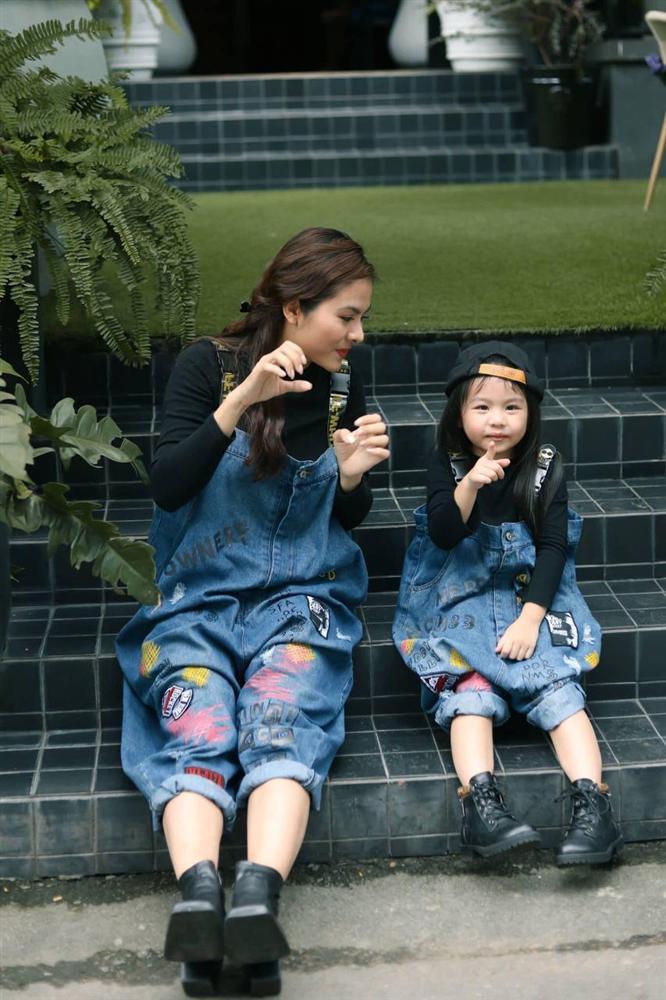 Con gái Vân Trang mới 5 tuổi đã được khen cao ráo, ra dáng mỹ nhân tương lai, ít người biết cô đã hy sinh điều to lớn này cho bé-6