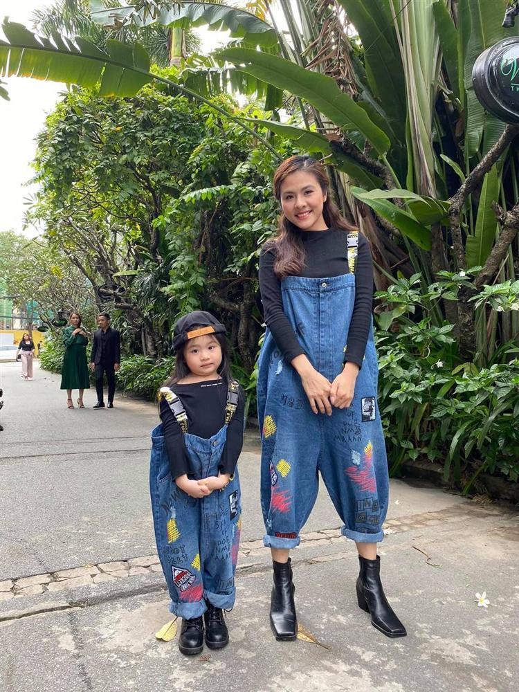 Con gái Vân Trang mới 5 tuổi đã được khen cao ráo, ra dáng mỹ nhân tương lai, ít người biết cô đã hy sinh điều to lớn này cho bé-7