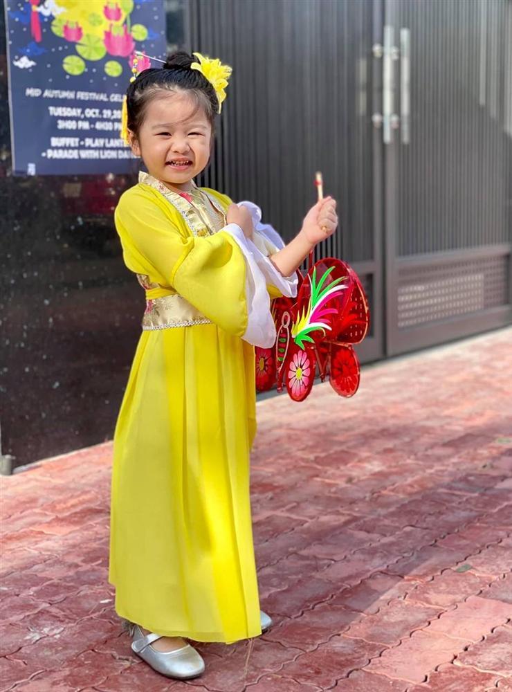 Con gái Vân Trang mới 5 tuổi đã được khen cao ráo, ra dáng mỹ nhân tương lai, ít người biết cô đã hy sinh điều to lớn này cho bé-10