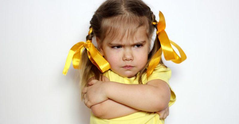 Bố mẹ luôn sử dụng cách nói này chẳng trách muốn con nghe lời nhưng càng nói trẻ lại càng phản kháng lại-1