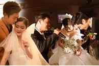Bố vợ hát cùng con rể trong đám cưới con gái và chuyện tình 'chị - em': Yêu nhưng không dám công khai vì chú rể bị đồn là 'trai hư' và cái kết bất ngờ!