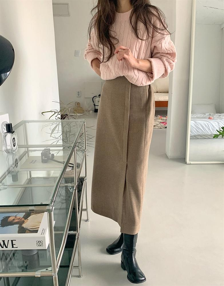 5 kiểu chân váy gái Hàn thường diện với áo len, nàng công sở nên hóng ngay để không bao giờ lo mặc xấu-4