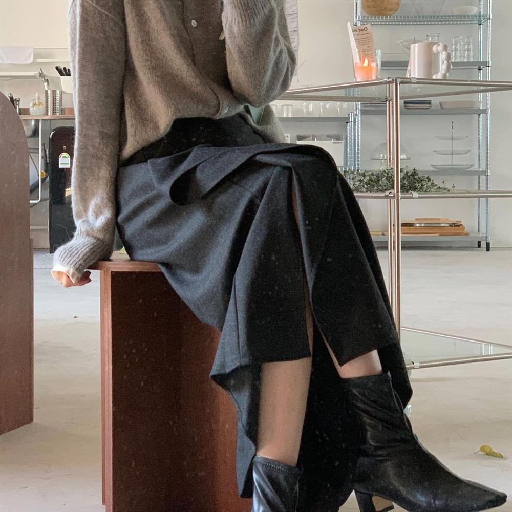 5 kiểu chân váy gái Hàn thường diện với áo len, nàng công sở nên hóng ngay để không bao giờ lo mặc xấu-8