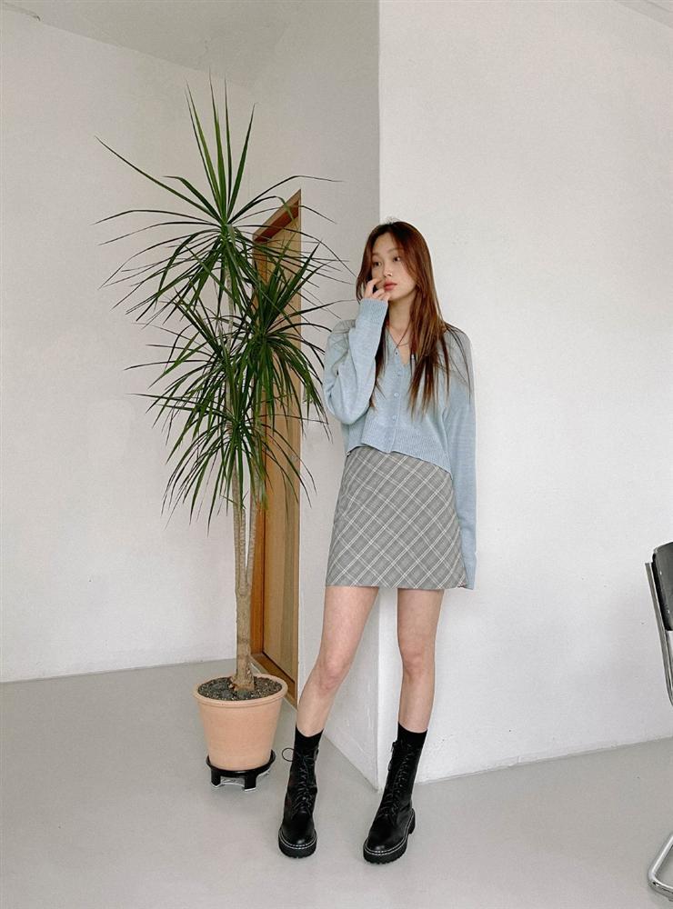 5 kiểu chân váy gái Hàn thường diện với áo len, nàng công sở nên hóng ngay để không bao giờ lo mặc xấu-15