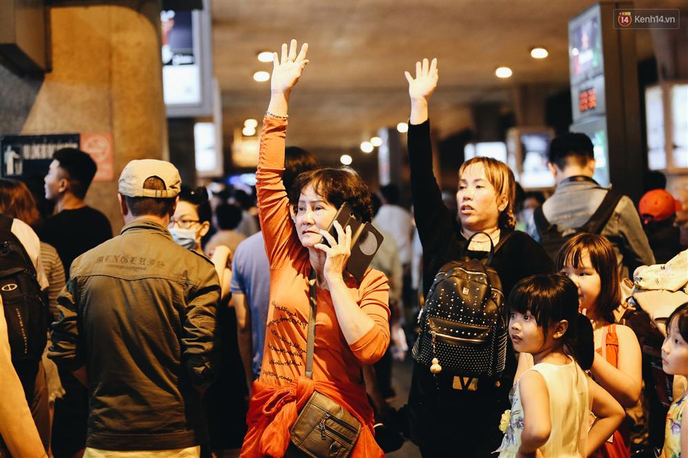 Chùm ảnh: Hình ảnh trái ngược ở ga quốc tế Tân Sơn Nhất trong năm nay và năm trước dịp gần Tết Nguyên đán-5