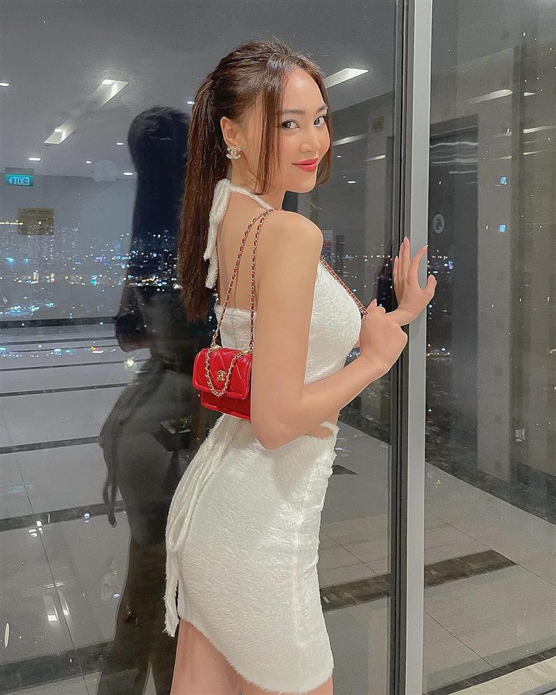 Những lần Ninh Dương Lan Ngọc khiến netizen xỉu lên xỉu xuống vì váy áo hở bạo-3