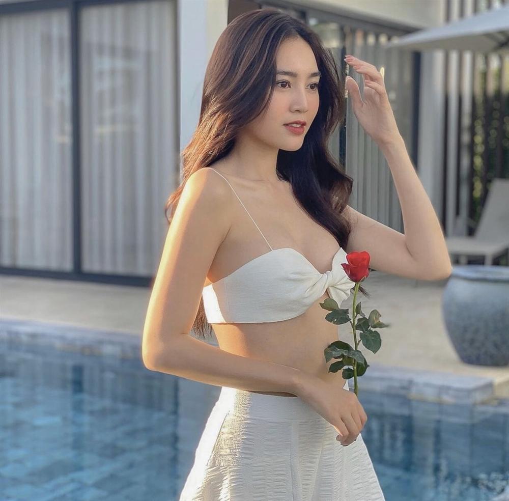 Những lần Ninh Dương Lan Ngọc khiến netizen xỉu lên xỉu xuống vì váy áo hở bạo-8