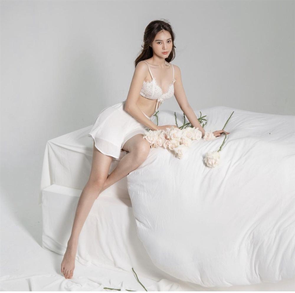 Những lần Ninh Dương Lan Ngọc khiến netizen xỉu lên xỉu xuống vì váy áo hở bạo-9