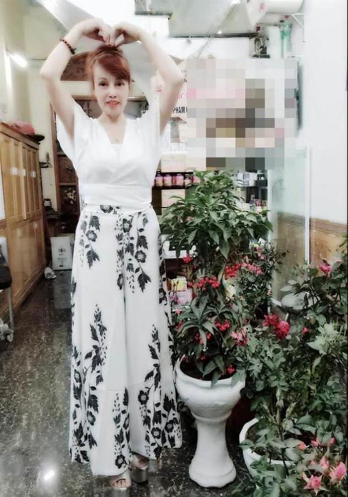 Cô dâu Cao Bằng gây sốc khi lộ cằm nhọn hoắt như muốn xuyên thủng vạn vật-4