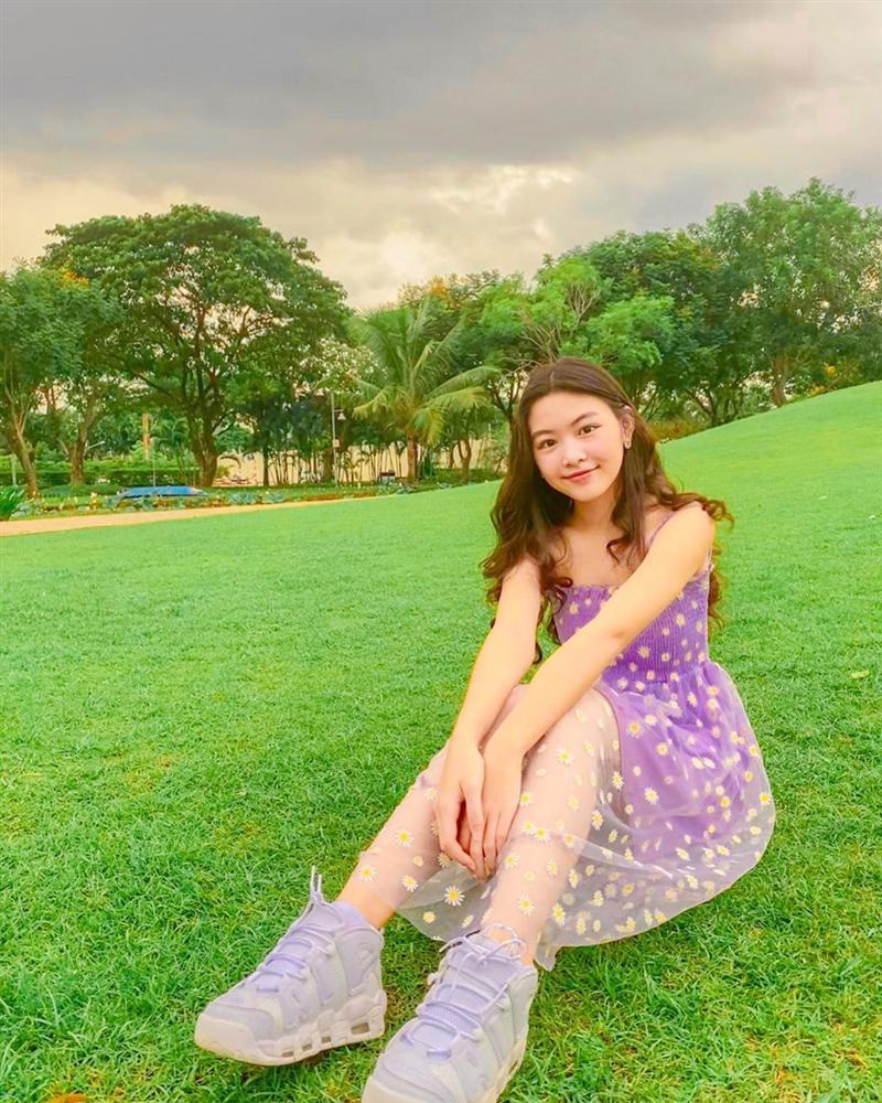 Không phải bơi lội, con gái Trương Ngọc Ánh và Quyền Linh cùng có chung đam mê khác, thảo nào 2 bé sớm làm chủ đôi chân dài miên man-10