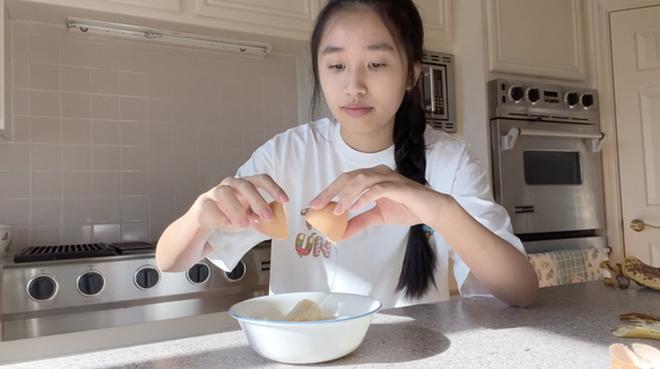 Jenny Huỳnh - Tiểu thư YouTuber sinh năm 2005 chính thức chạm mốc 1 triệu subscribers-8