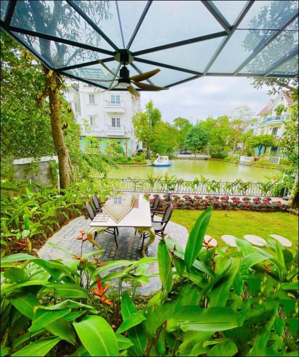 Cận cảnh khu vườn đẹp như mơ trong biệt thự ven sông của Lã Thanh Huyền, Tết dịch ngồi ở nhà ngắm hoa lá cũng vui-9