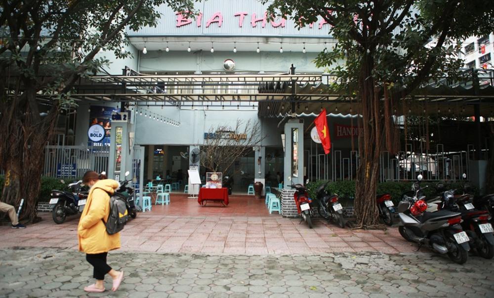Không một bóng khách, nhà hàng, quán nhậu ở Hà Nội đồng loạt đóng cửa-1