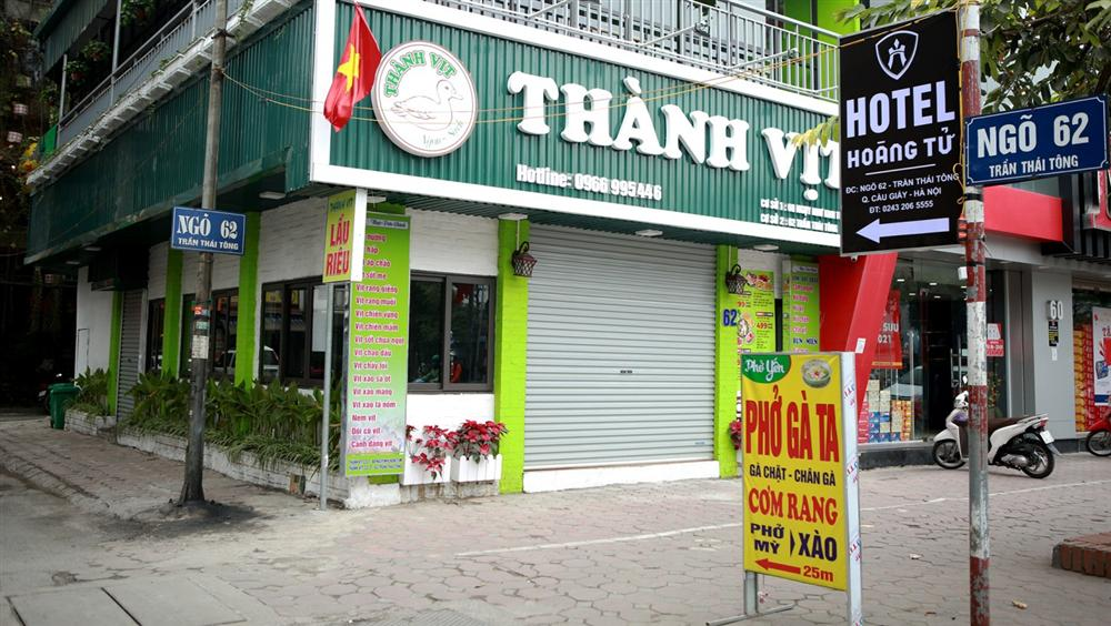Không một bóng khách, nhà hàng, quán nhậu ở Hà Nội đồng loạt đóng cửa-10