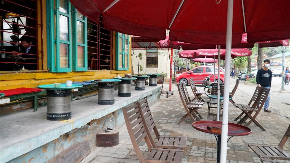 Không một bóng khách, nhà hàng, quán nhậu ở Hà Nội đồng loạt đóng cửa-13