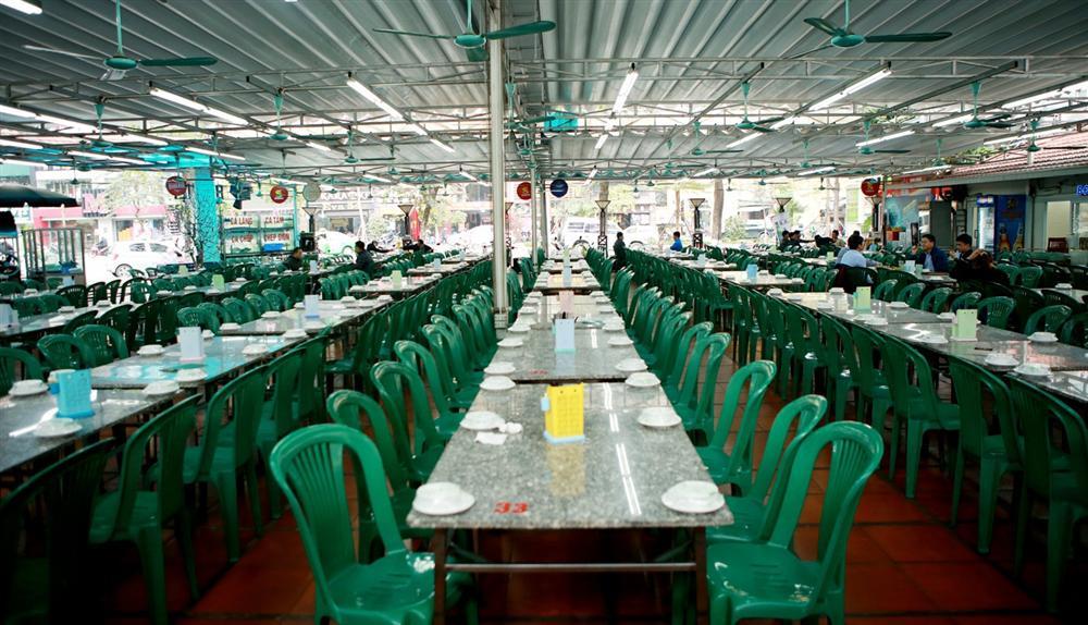 Không một bóng khách, nhà hàng, quán nhậu ở Hà Nội đồng loạt đóng cửa-3