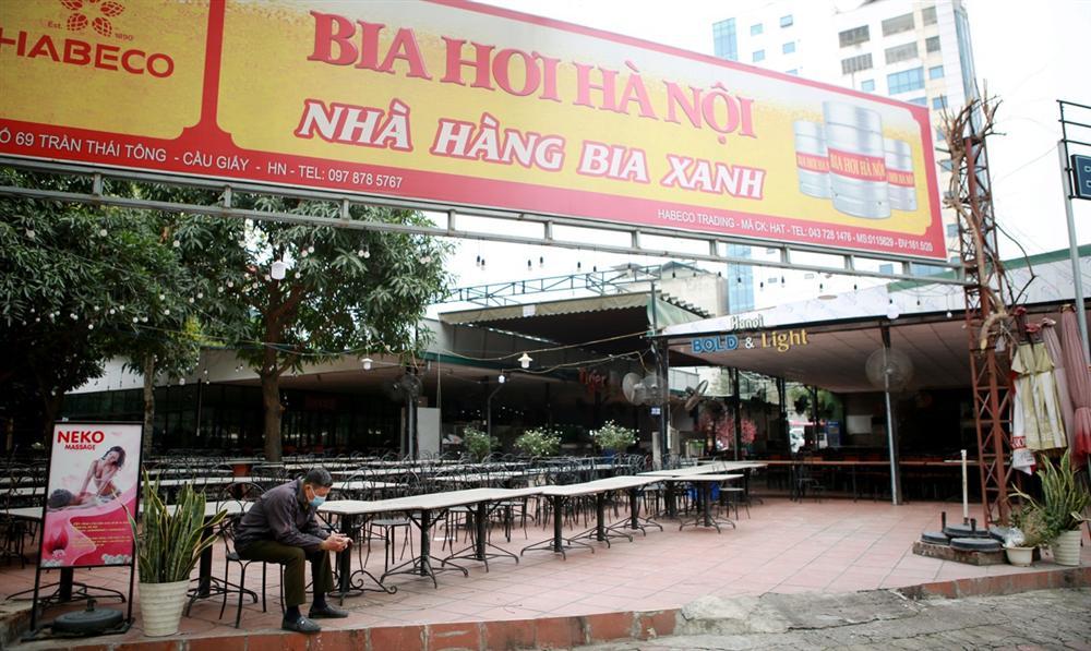 Không một bóng khách, nhà hàng, quán nhậu ở Hà Nội đồng loạt đóng cửa-8