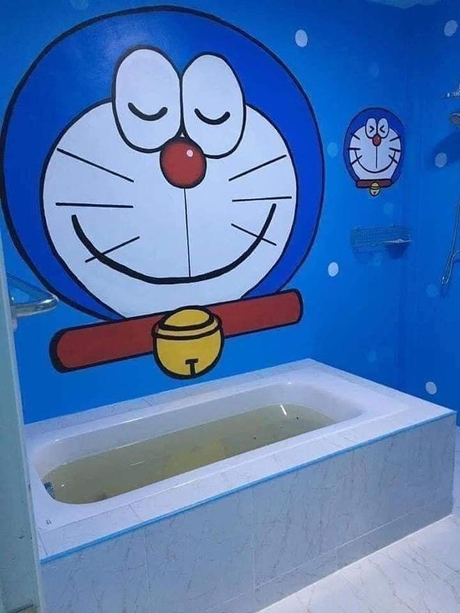 Căn nhà có gia chủ mê Doraemon khiến dân tình tranh cãi: Dễ thương hay nhố nhăng như cái vườn trẻ?-6