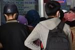 Nhìn hình ảnh các em nhỏ Hải Dương mặc áo mưa, đeo khẩu trang kín mít phòng dịch Covid-19 mà thương!-7