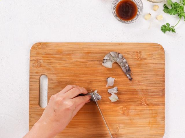 Muốn ăn ngon nhưng ngại dọn, chị em thử món cơm sau đây: Cho hết nguyên liệu vào nồi, bấm nút là xong!-3