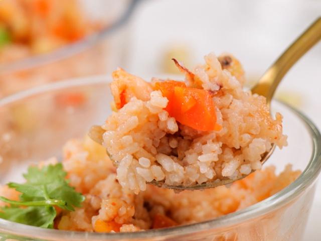 Muốn ăn ngon nhưng ngại dọn, chị em thử món cơm sau đây: Cho hết nguyên liệu vào nồi, bấm nút là xong!-11