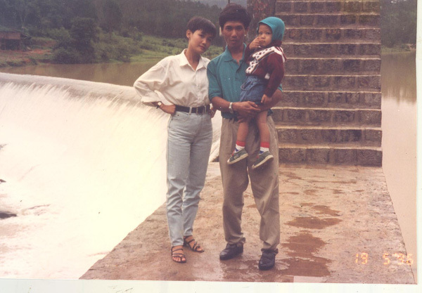 Đào Bá Lộc khoe ảnh gia đình, được khen đẹp vượt trội hơn cả mẹ và em-5