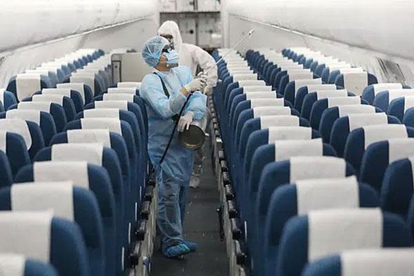 Hà Nội phát thông báo khẩn: Hành khách đi trên 2 chuyến bay có ca bệnh COVID-19 dưới đây, cần liên hệ ngay với cơ sở y tế gần nhất-1
