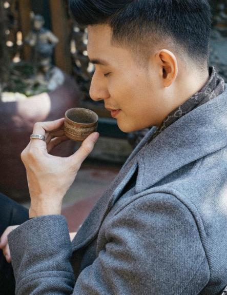 Lệ Quyên và tình trẻ Lâm Bảo Châu đeo nhẫn đôi sau khi công khai mối quan hệ-2