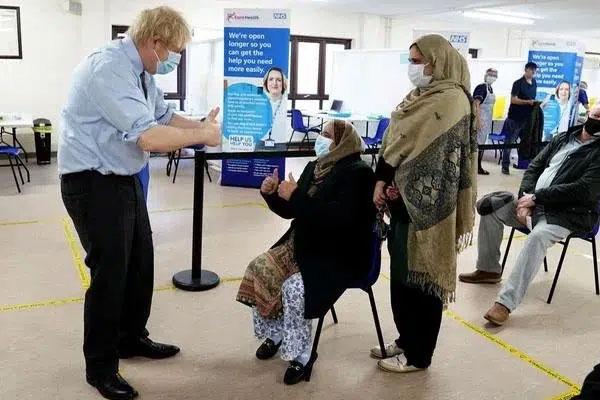 Nguy cơ biến thể ở Anh kháng vắc-xin-1