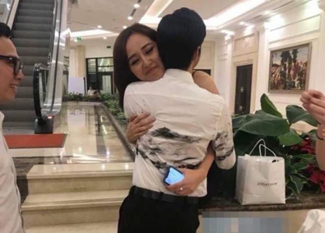 Hai lần đi đám cưới thiếu gia gây bàn tán của hoa hậu Mai Phương Thúy-1