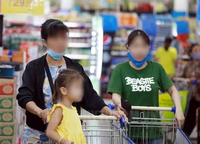 Loạt hành động vô tư của bố mẹ khiến trẻ có nguy cơ lây nhiễm Covid-19 cao, tuân thủ ngay 4 KHÔNG để con an toàn trong mùa dịch-1