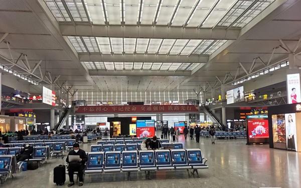 Ăn Tết tại chỗ mùa Covid-19: Kỳ nghỉ Tết không dài bằng chuỗi ngày cách ly, nhiều người dân Trung Quốc dằn lòng không về quê đón năm mới-2