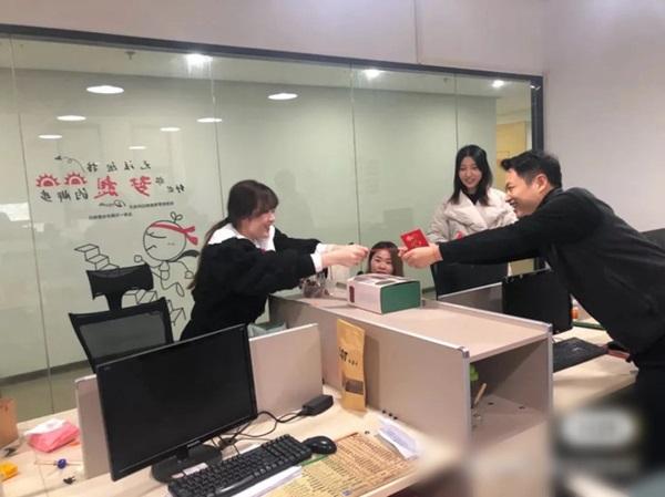 Ăn Tết tại chỗ mùa Covid-19: Kỳ nghỉ Tết không dài bằng chuỗi ngày cách ly, nhiều người dân Trung Quốc dằn lòng không về quê đón năm mới-4