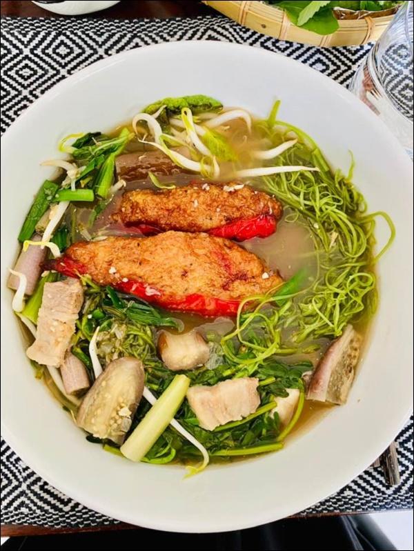 Mỹ nhân Gái nhảy nấu ăn siêu ngon không thua gì đầu bếp nhà hàng khiến Thu Minh than trời vì không thể giảm cân-11