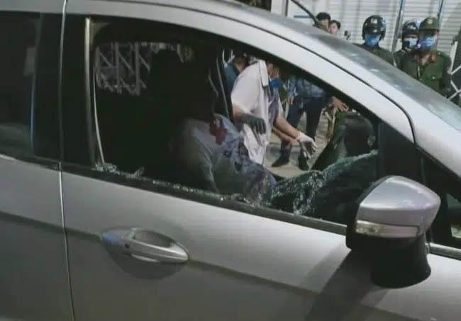 Bình Dương: Giám đốc Trung Quốc U60 cắt cổ cô gái 27 tuổi trong phòng làm việc rồi lái xe ra đường tự sát-3