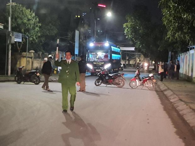 Nam sinh viên trường FPT cơ sở Mỹ Đình tự đi xe máy từ Hà Nội về Nghệ An lên cơn sốt, ho-2