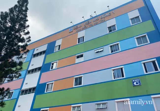 Bệnh viện Nhi Đồng 1 trắng đêm hồi hộp đợi kết quả xét nghiệm ca F1 khai gian khi đưa con đi khám bệnh-1