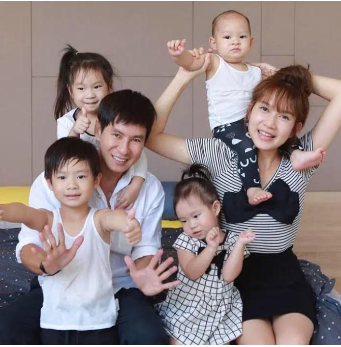 Gia đình siêu giàu nhưng vợ chồng Lý Hải - Minh Hải lại áp dụng cách không ngờ để con có quần áo mới, ai nghe cũng phải gật gù khen-1