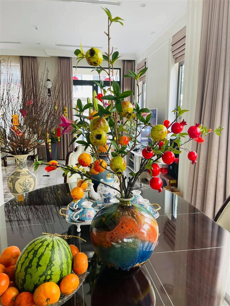 Sao Việt trang trí nhà cửa đón Tết: Lã Thanh Huyền 3 đời chơi lan Hồ Điệp, Thúy Hạnh thiết kế sânvườn đèn hoa lộng lẫy như nhà hàng Nhật-1