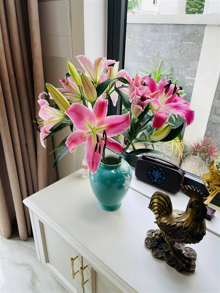 Sao Việt trang trí nhà cửa đón Tết: Lã Thanh Huyền 3 đời chơi lan Hồ Điệp, Thúy Hạnh thiết kế sânvườn đèn hoa lộng lẫy như nhà hàng Nhật-3