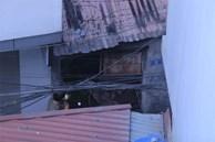 Ảnh: Kinh hoàng hiện trường vụ đốt vàng mã cháy nhà khiến 4 sinh viên tử vong, mọi thứ trong phòng đều bị thiêu rụi