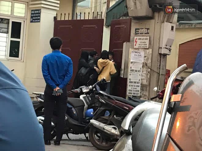"""Vụ cháy khiến 4 người tử vong ở Hà Nội, người thân chết lặng tại nhà tang lễ: Nhà nó chỉ có 2 anh em duy nhất thôi, ai ngờ giờ xảy ra cơ sự đau lòng như vậy""""-2"""