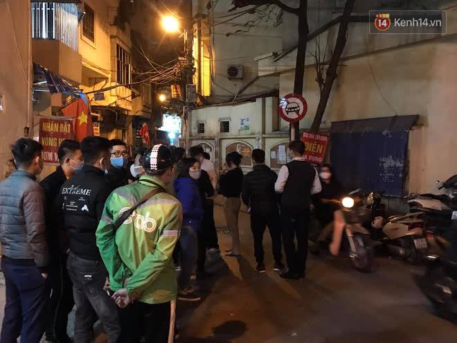 """Vụ cháy khiến 4 người tử vong ở Hà Nội, người thân chết lặng tại nhà tang lễ: Nhà nó chỉ có 2 anh em duy nhất thôi, ai ngờ giờ xảy ra cơ sự đau lòng như vậy""""-5"""