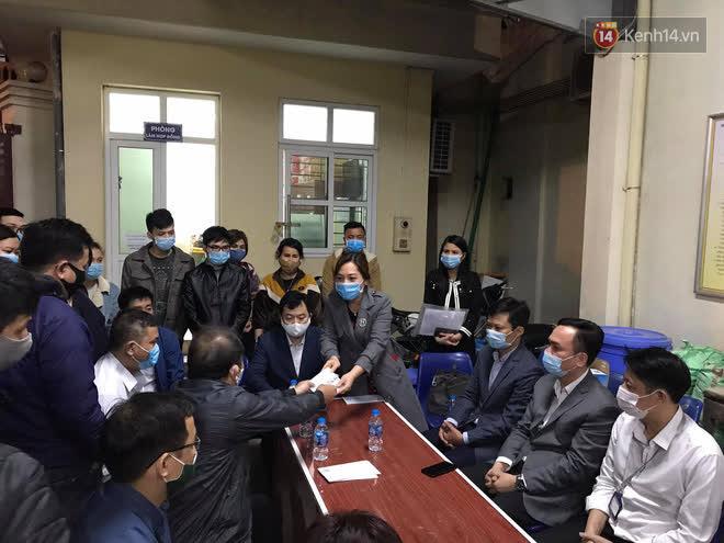 """Vụ cháy khiến 4 người tử vong ở Hà Nội, người thân chết lặng tại nhà tang lễ: Nhà nó chỉ có 2 anh em duy nhất thôi, ai ngờ giờ xảy ra cơ sự đau lòng như vậy""""-9"""