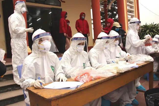Những người chuẩn bị rời Hà Nội về quê ăn Tết ngoài khai báo y tế thì cần làm những việc này-1